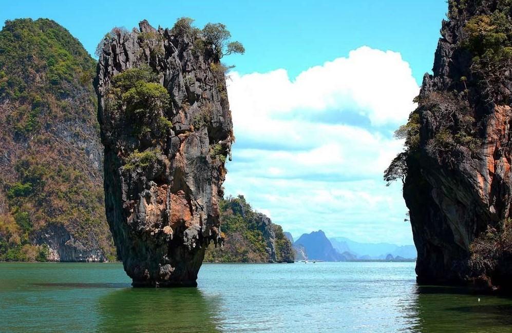 Залив Пханг НГА Бей (Phang Nga Bay) и остров Джеймса Бонда