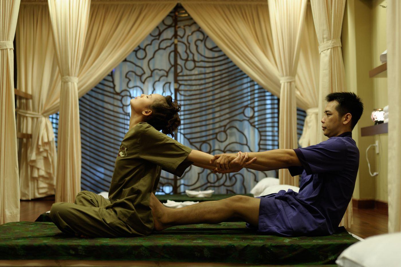 Мастера Тайского массажа