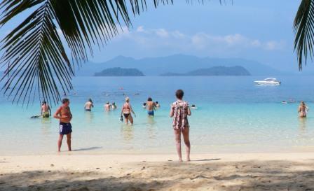 Пляжи и купание на острове Ко Вай