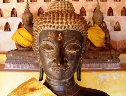 Буддийская святыня - Ват Си Сакет во Вьентьяне