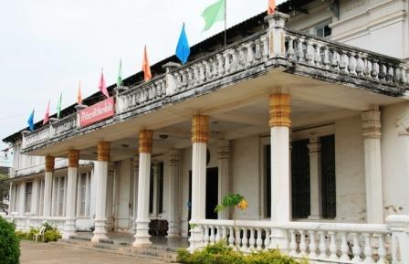 Национальный Лаосский Музей во Вьентьяне