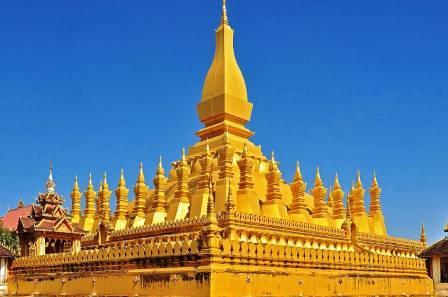 Великая золотая ступа Вьентьяна