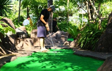 Дино парк (мини-гольф) на Пхукете