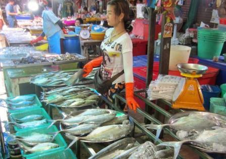 Рынок морепродуктов в Наклуа