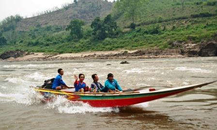 Водный транспорт Лаоса