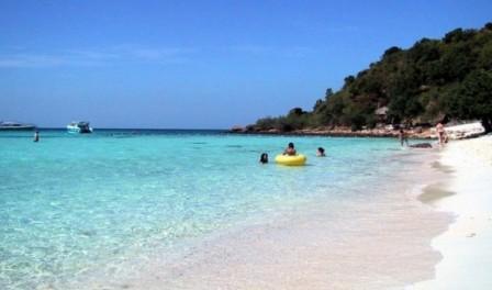Остров и пляж Koh Larn в Паттайе